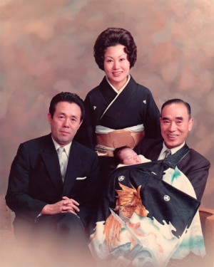 誕生,東京生れ,家族