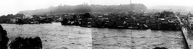 人吉大橋付近の人吉市街部浸水状況(人吉市)